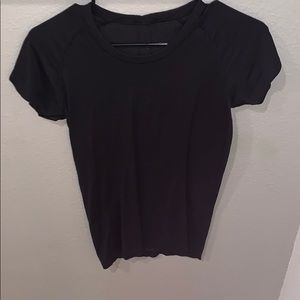 Lululemon London tee shirt